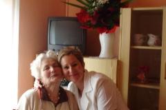 04.06.2012 - Blahoželanie p. Michalákovej, obyvateľky zariadenia, k narodeninám